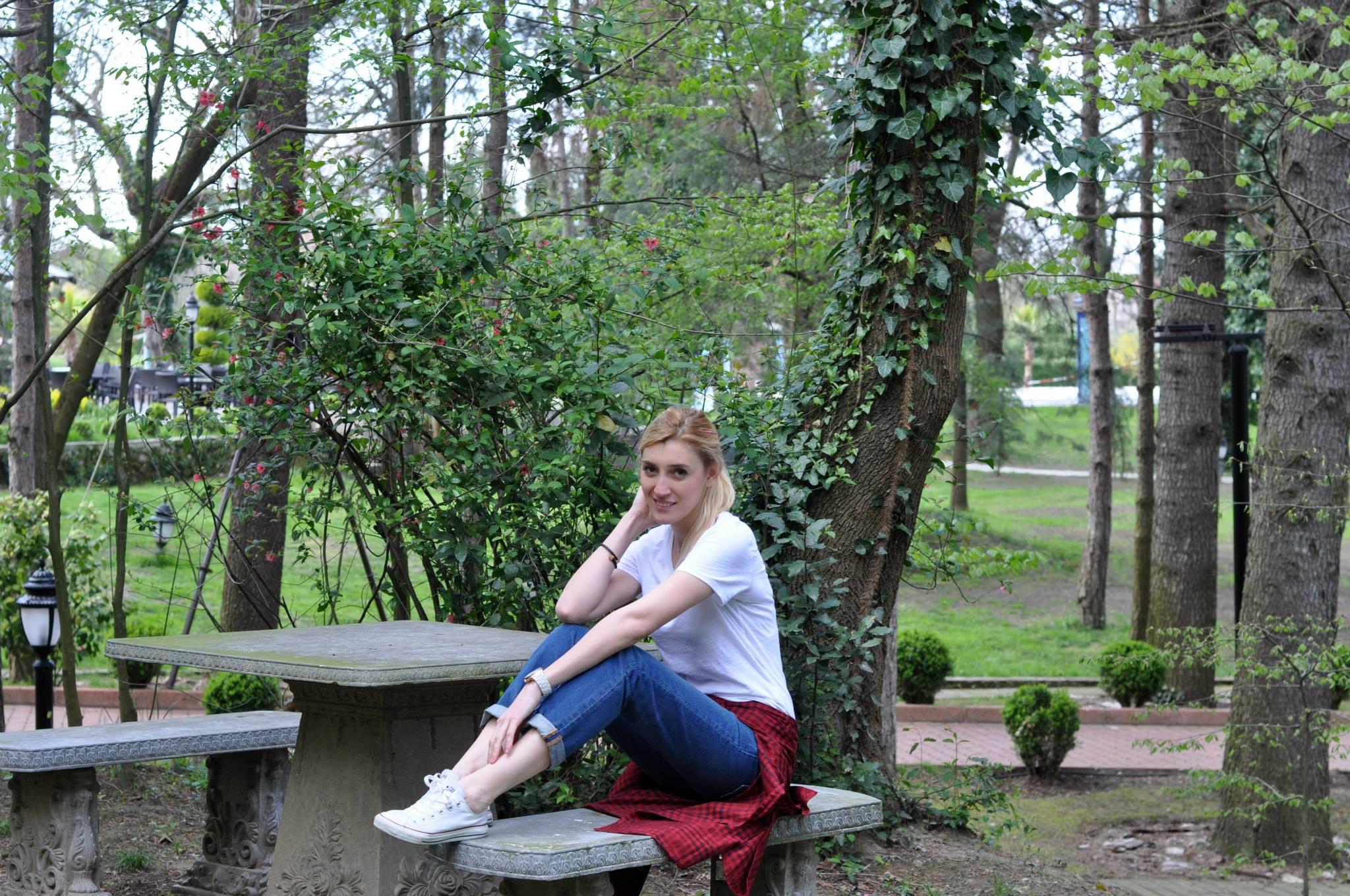levis-ct-501-boyfriend-jeans-burcu-ozcan-chihuahua-mira-diary-of-burcu-diaryofburcu-3